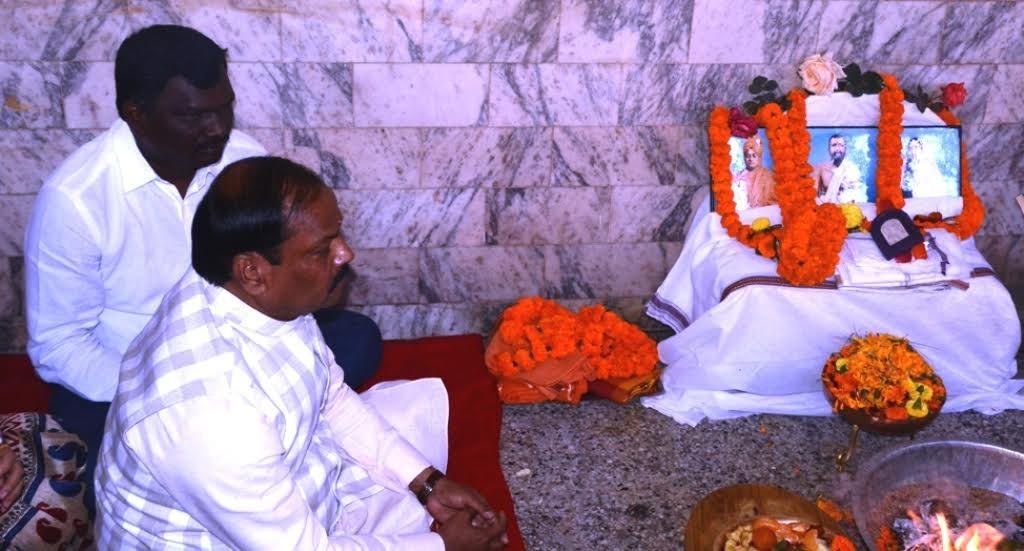 स्वामी विवेकानंद की मूर्ति के लिए बड़ा तलब में भूमि पूजन